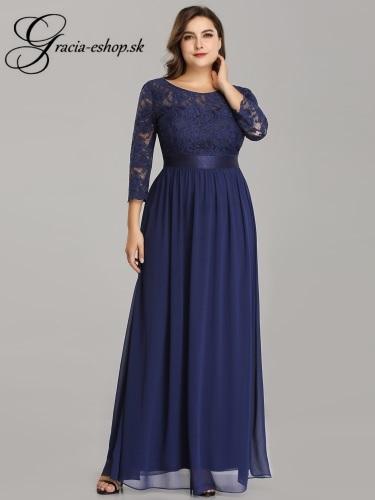 b281434174b0 Dlhé večerné šaty s krajkovými rukávmi model 7412